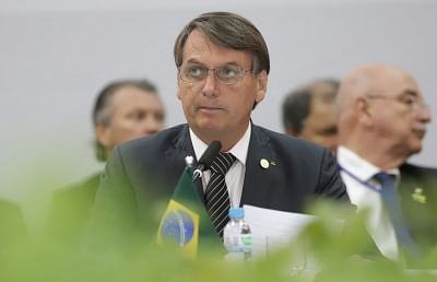 Bolsonaro in isolation after contact with Covid-positive aide