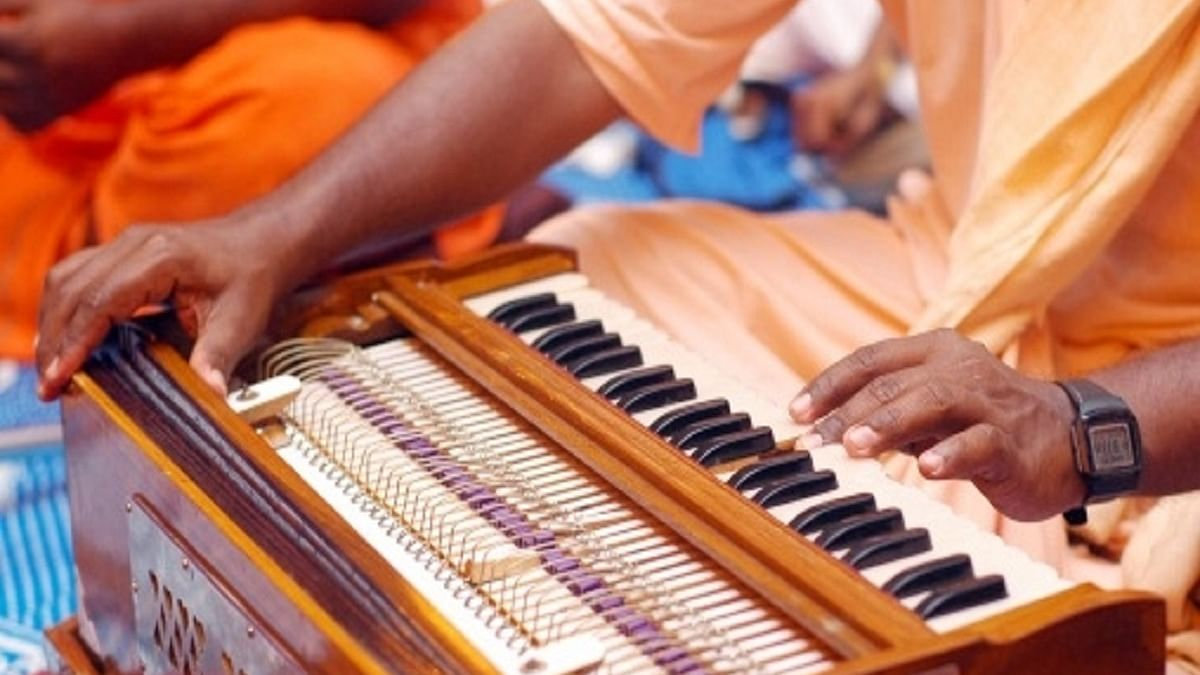 Shrill sounds of ambulance horns to be replaced with musical notes of flute, harmonium