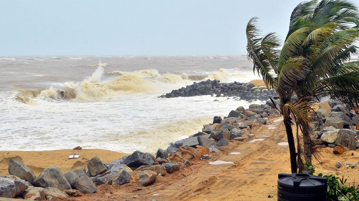 Satellite phone calls tracked to foreign locations, high alert in K'taka coastal belt
