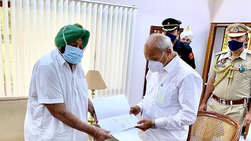 Amarinder Singh resigns as Punjab Chief minister