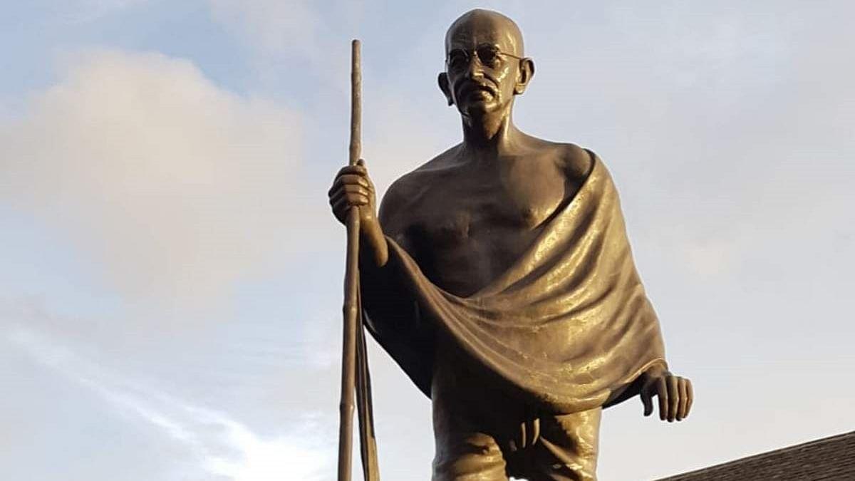 UP: Speeding truck hits Gandhi statue, damages structure