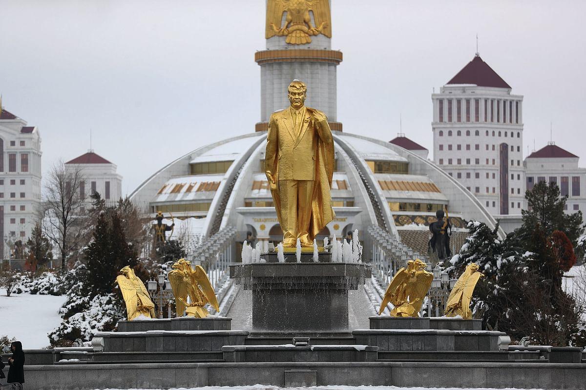 A monument to Turkmenistan President Gurbanguly Berdimuhamedov
