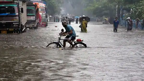 LIVE News Updates: Orange alert issued for eight districts in Kerala