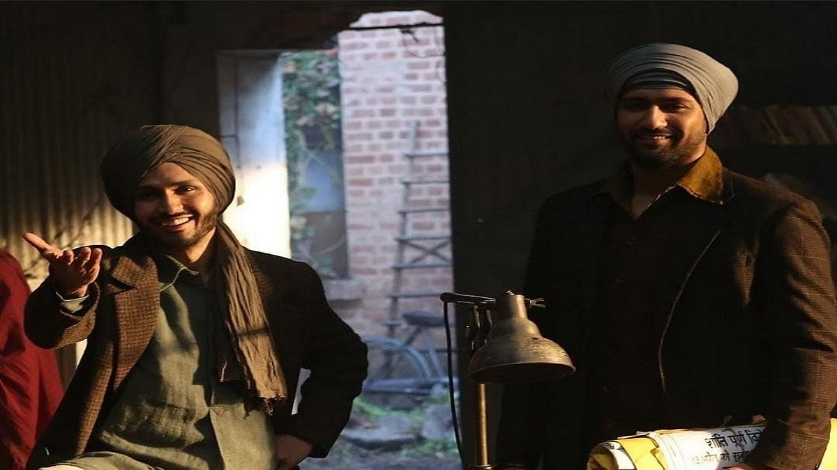 """Vicky Kaushal introduces Amol Parashar who will be seen as Shaheed Bhagat Singh in 'Sardar Udham"""""""