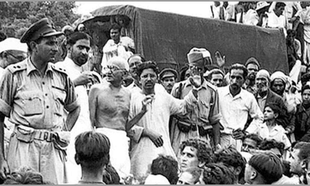 Mahatma Gandhi with farmers