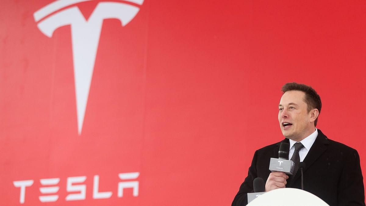 Elon Musk extends lead as world's richest man as Tesla's value scales $ 1 trillion