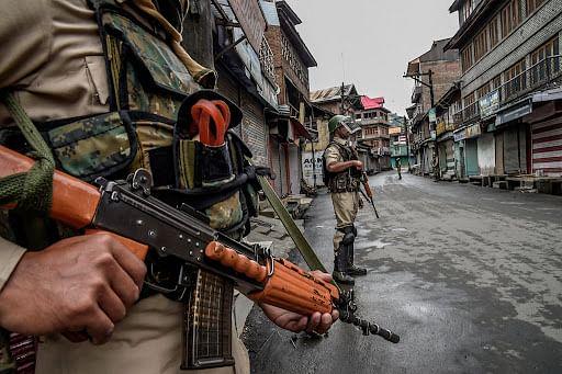 Two more labourers shot dead by terrorists in J&K's Kulgam