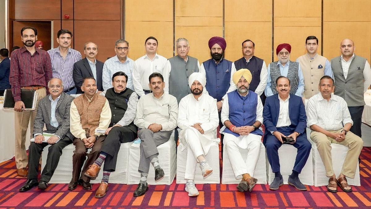 Punjab CM hosts top investors; announces 4th Progressive Punjab Summit to be held on OCT 26-27