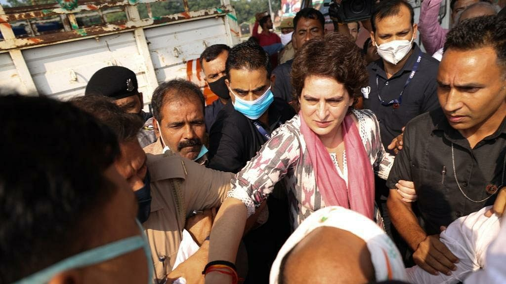UP: Priyanka Gandhi first stopped then allowed to go to Agra to meet family of man who died in police custody