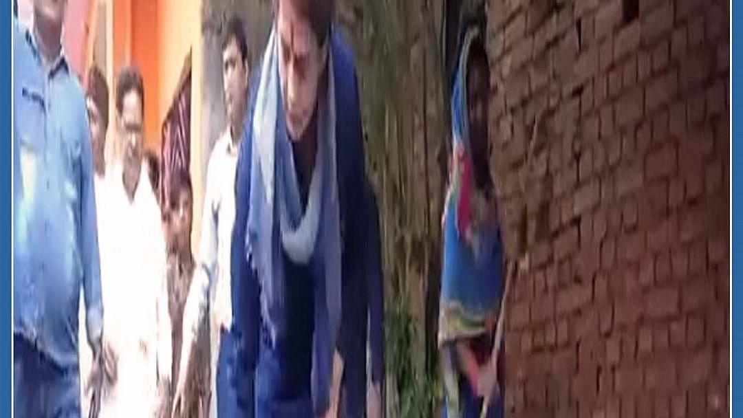 Watch: Priyanka Gandhi picks up broom again after Yogi Adityanath's dig