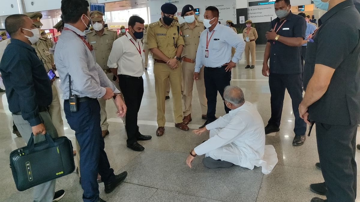 WATCH: Chhattisgarh CM Bhupesh Baghel stopped from leaving Lucknow airport