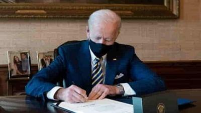 Biden signs last-minute stopgap funding bill, averting government shutdown