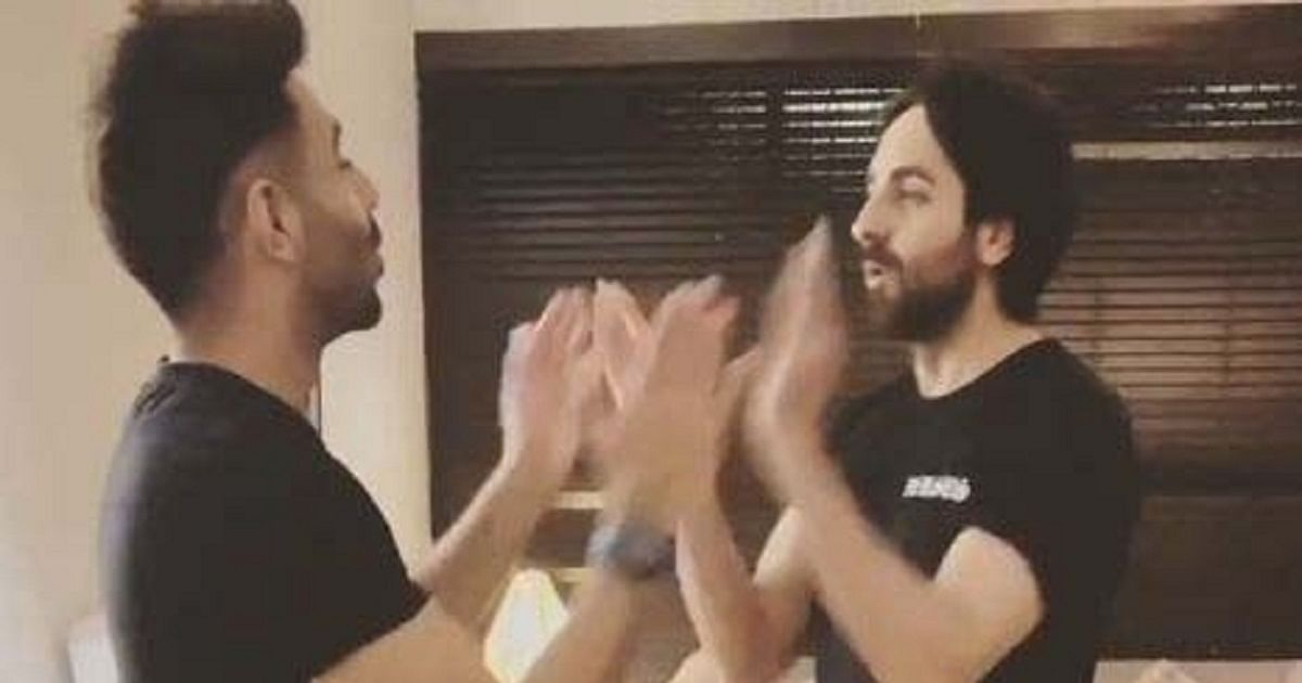Photo of Ayushmann, Aparshakti relive childhood with game of 'aao milo'