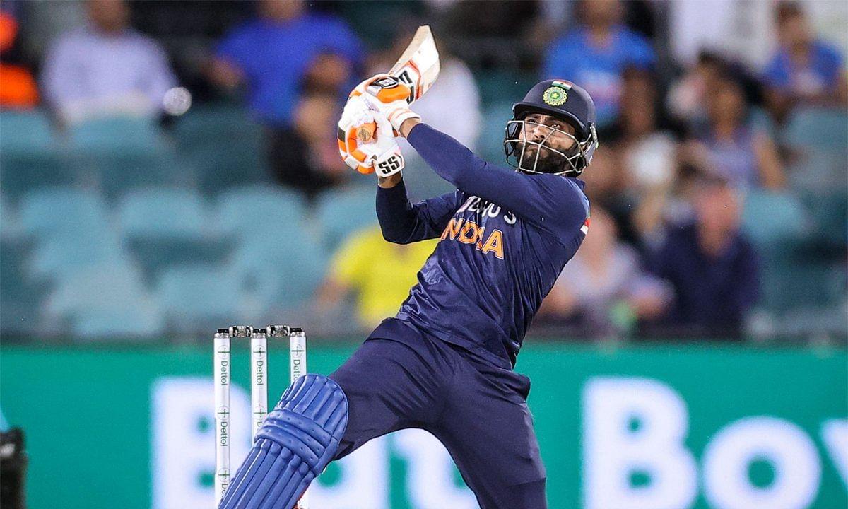 Ravindra Jadeja in action against Australia