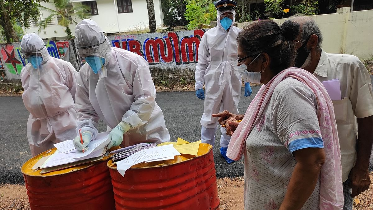 Voters flouting Covid protocols stress officials while Kerala prepares for second phase on Dec 10