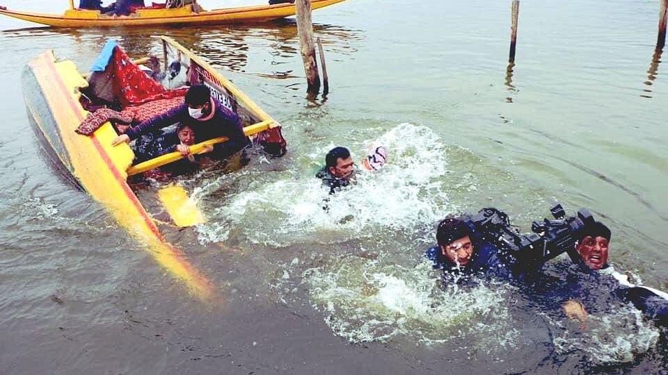 Shikara carrying BJP workers, journalists capsizes in Srinagar's Dal Lake
