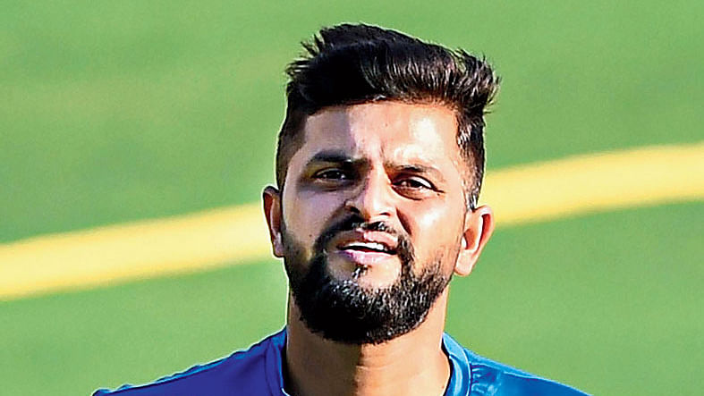 Mumbai police books cricketer Suresh Raina and singer Guru Randhawa for not following Covid norms