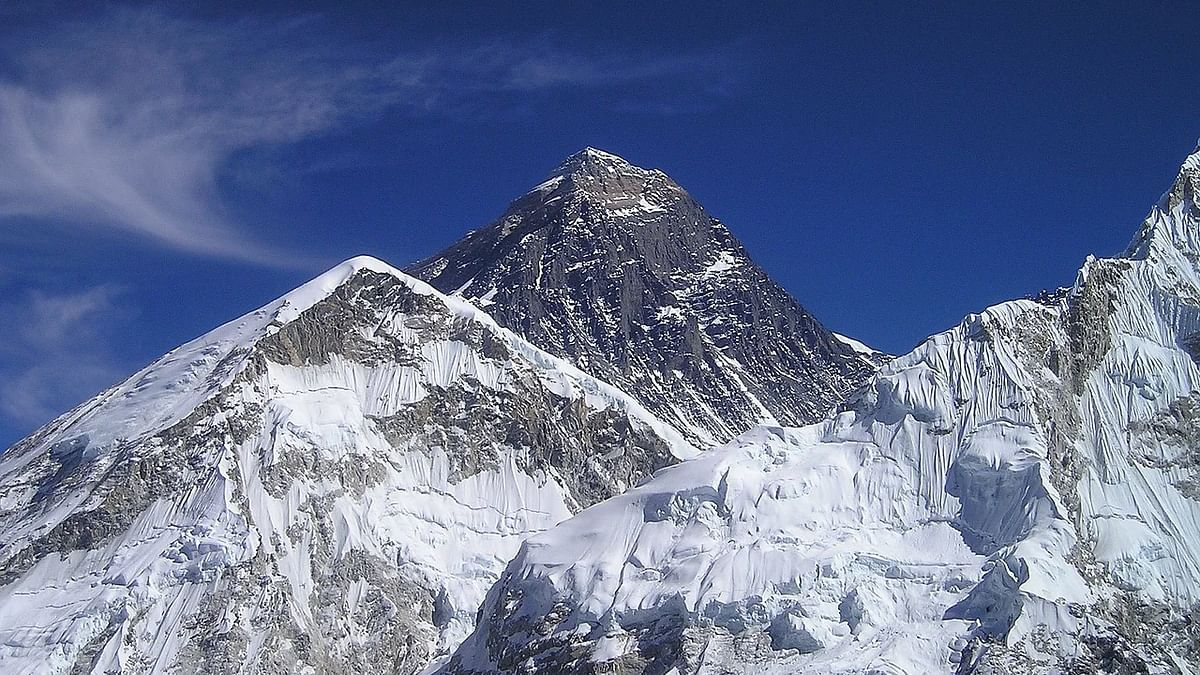 Mount Everest reaches new height, announce China and Nepal