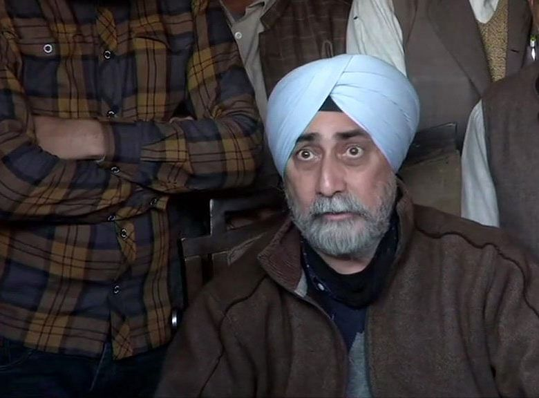 VM Singh informing RKMS' withdrawal to the media today