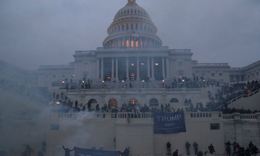 Image of US Capitol during January 6 riot
