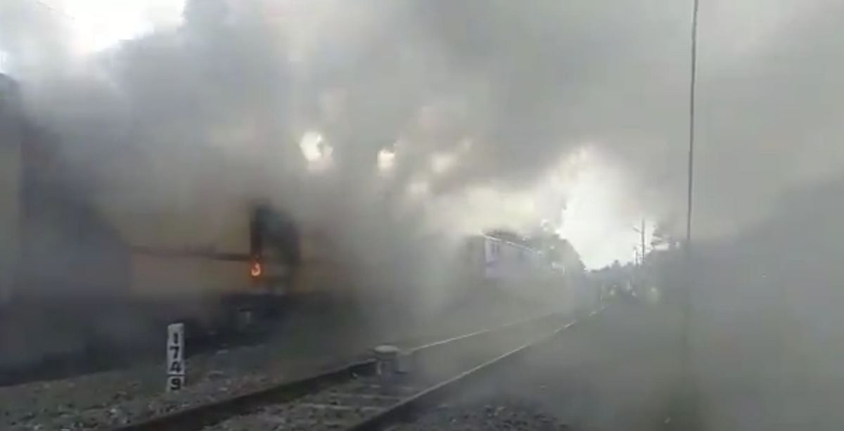 Fire broke out in Malabar express near Varkala; authorities report no casualties