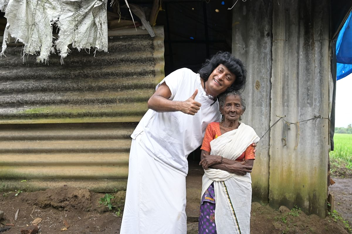 Boby Chemmanur with Pappy Amma