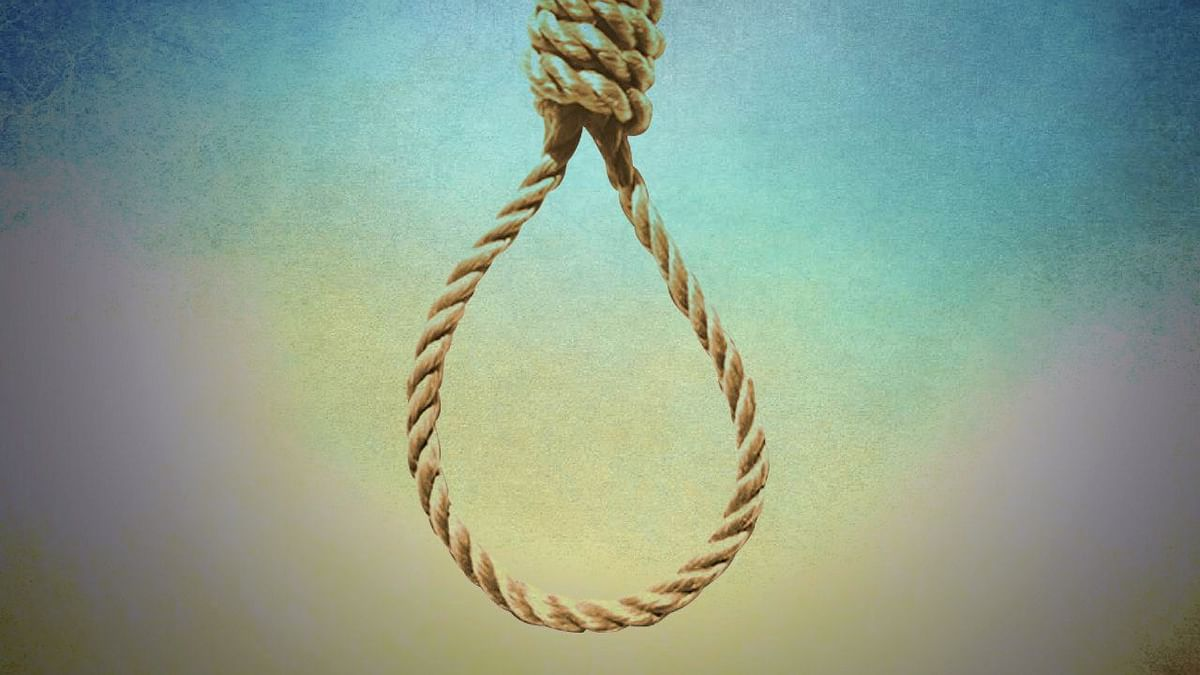 Ex-CPM local committee secretary found hanging at his house in Konni; family suspects foul play