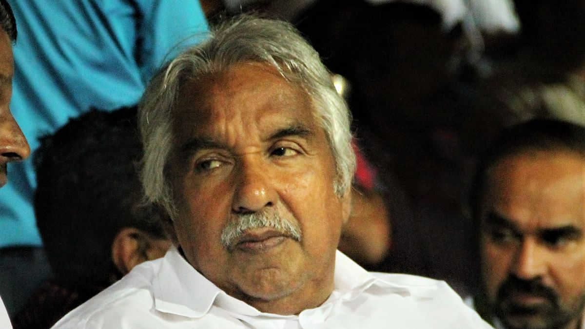 Former Kerala CM Oommen Chandy slams LDF government for failing to control Covid-19 spread