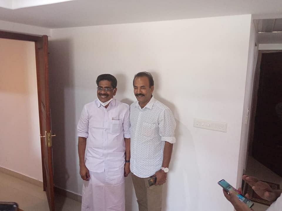 Mullappally Ramachandran with Major Ravi