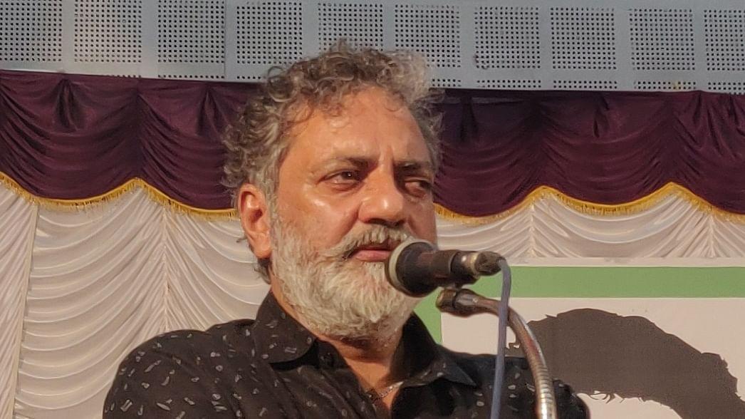 Mollywood director Joy Mathew pens detailed note praising Kerala Oppn Leader Ramesh Chennithala