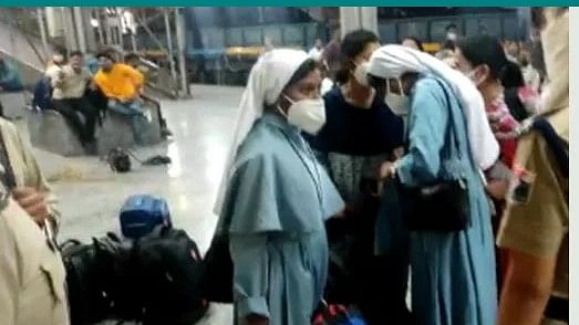 Hindu activists threaten Kerala Catholic nuns; nuns forced to change to civilian wear for safety