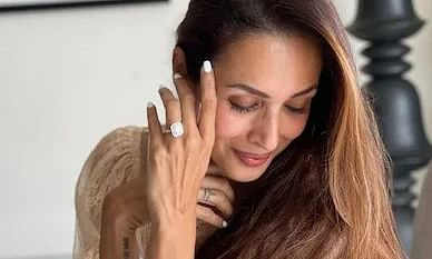 Malaika Arora flaunts diamond ring; has Arjun Kapoor popped the question?
