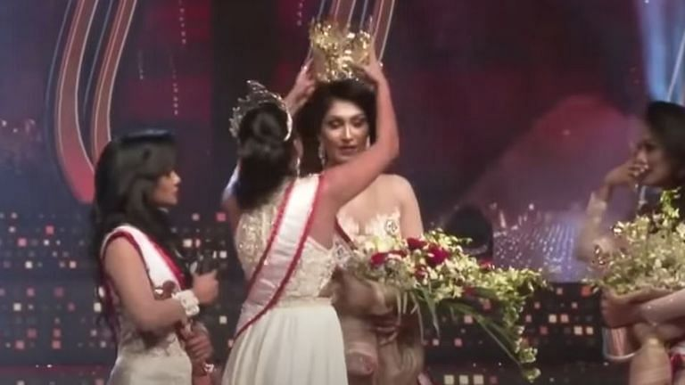 Drama on stage: Mrs World forcefully removes crown from Mrs Sri Lanka over divorce allegations