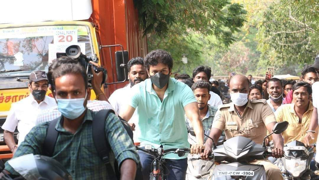 Thalaivar Rajini refrains from meeting media after vote; Thalapathy Vijay cycles to polling booth