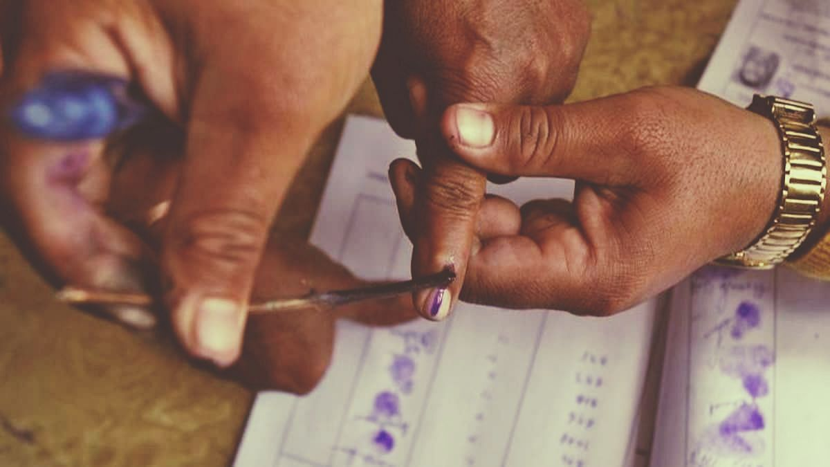 Kerala so far records 22.5 % polling; voter collapses and dies in Aranmula