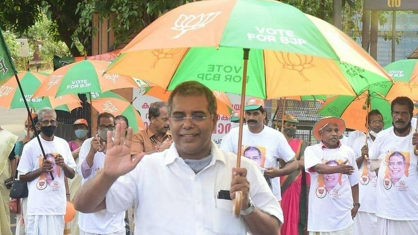 Kerala has debt of over Rs 2 lakh crore; only poor must receive free vaccine, says AP Abdullakutty
