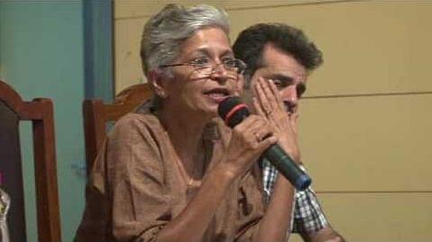 गौरी लंकेश की हत्या से गुस्से में देश, पत्रकार-बुद्धिजीवी आए सड़कों पर