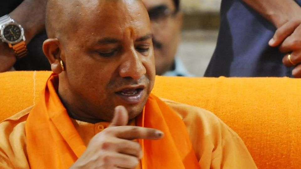 6 महीने में हर मोर्चे पर फेल योगी सरकार, कट्टरवादी हिंदू की छवि बरकरार