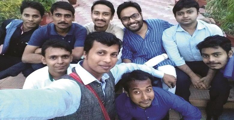 बंगाल में जड़ें जमाता संघ : भगवा मांद में घुसकर सनसनीखेज़ पड़ताल