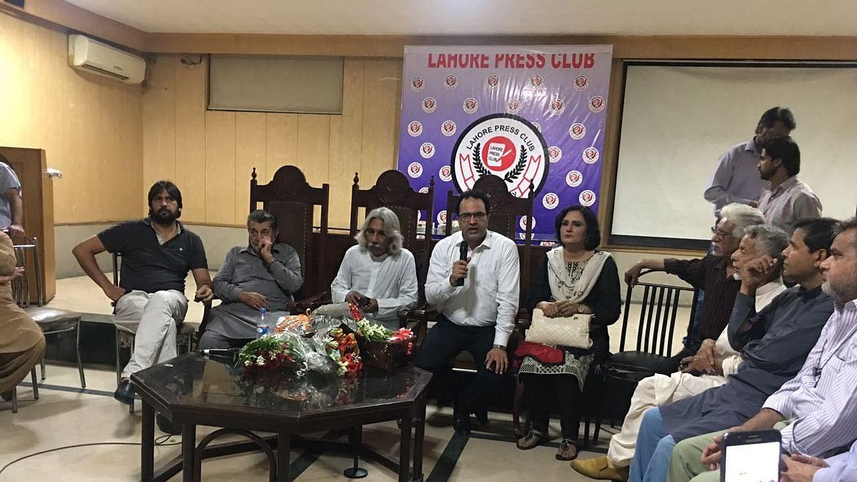 गौरी लंकेश की याद में लाहौर प्रेस क्लब में बैठक