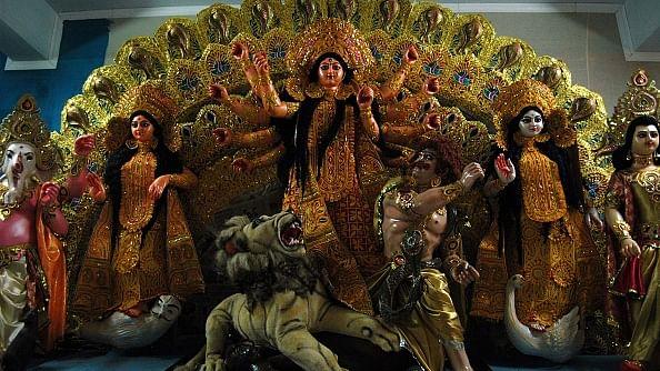 बंगाल में दुर्गा पूजा पर दंगों  की साजिश का पर्दाफाश, अंदरुनी संदेशों से  खुलासा