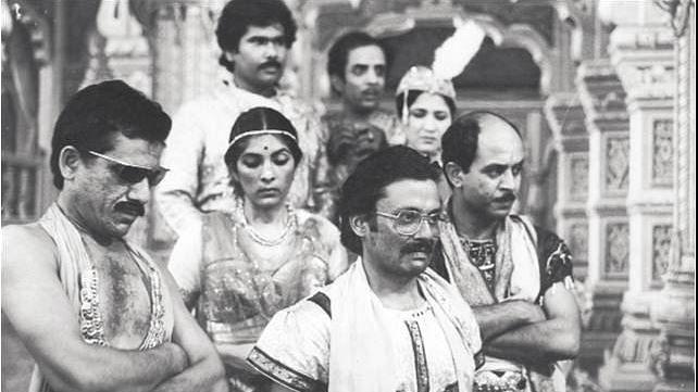 मनोरंजन के जरिये समाज को आइना दिखाती थीं कुंदन शाह की फिल्में