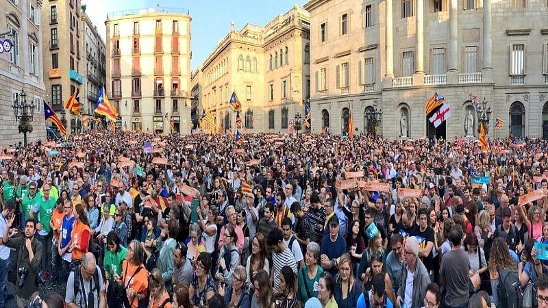 दुनिया को मिला नया देश, कैटेलोनिया ने खुद को स्पेन से अलग किया
