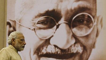 गांधी जयंती विशेष : मोदी क्यों कभी नहीं  अपना सकते गांधी जी को?