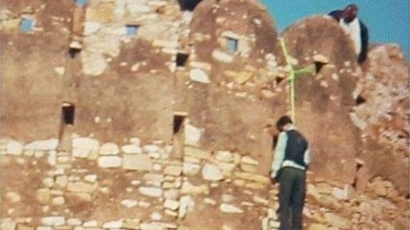 खतरनाक मोड़ पर पहुंचा 'पद्मावती' का विरोध, नाहरगढ़ किले से लटकी मिली युवक की लाश