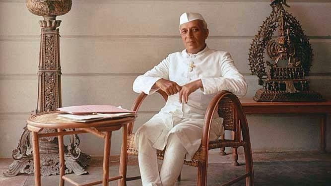 जन्मदिन विशेष: नेहरू के बिना अधूरी है स्वतंत्र और आधुनिक भारत की कल्पना