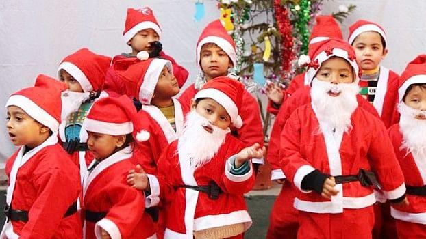 योगी राज में भगवा संगठन का तुगलकी  फरमान, कहा-अलीगढ़ के स्कूलों में क्रिसमस नहीं मनाने देंगे