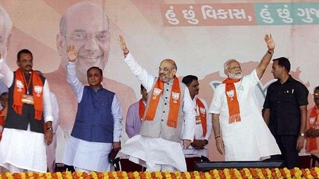 गुजरात चुनाव: क्या दूसरे दौर में किला बचा पाएगी बीजेपी?