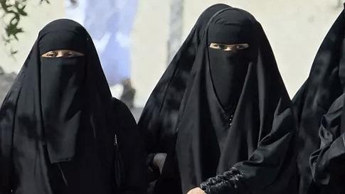 पीएम मोदी की गलत श्रेय लेने की कोशिश, हज के लिए अकेले जाने की मुस्लिम महिलाओं को पहले से थी इजाजत