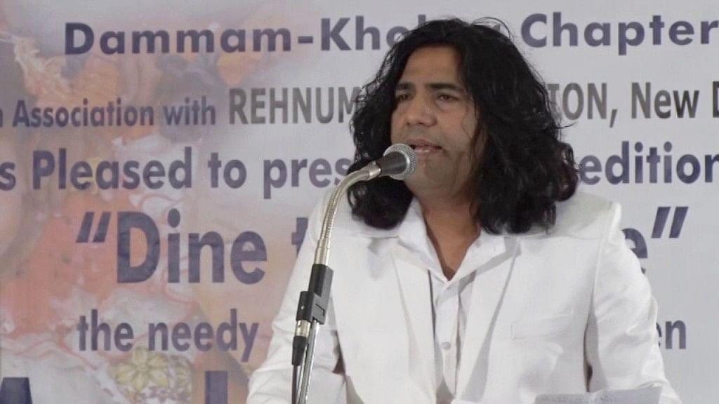 'पद्मावत' के गीतकार तुराज़ ने कहा, देश में फैली नफरत को सिर्फ मोहब्बत हरा सकती है